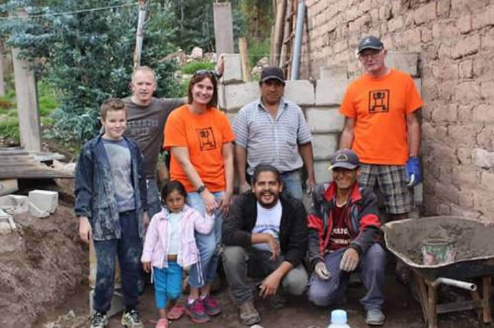 Volunteers building image