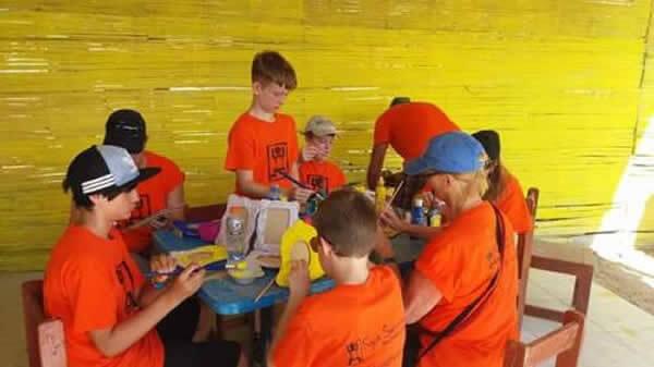 Volunteer kids art and crafts image