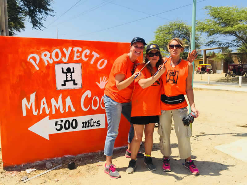 Team Peru volunteers image